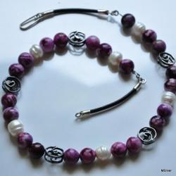 51. Naszyjnik z fioletowym  sugilitem i perłami