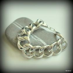 44. Srebrna bransoletka z ręcznie giętych kółek