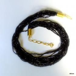 228. Naszyjnik z czarnego spinela