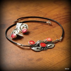 "Komplet biżuterii ""wisienki z korala"""
