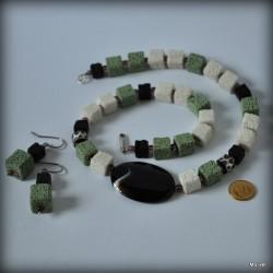 19. Komplet biżuterii z lawy wulkanicznej